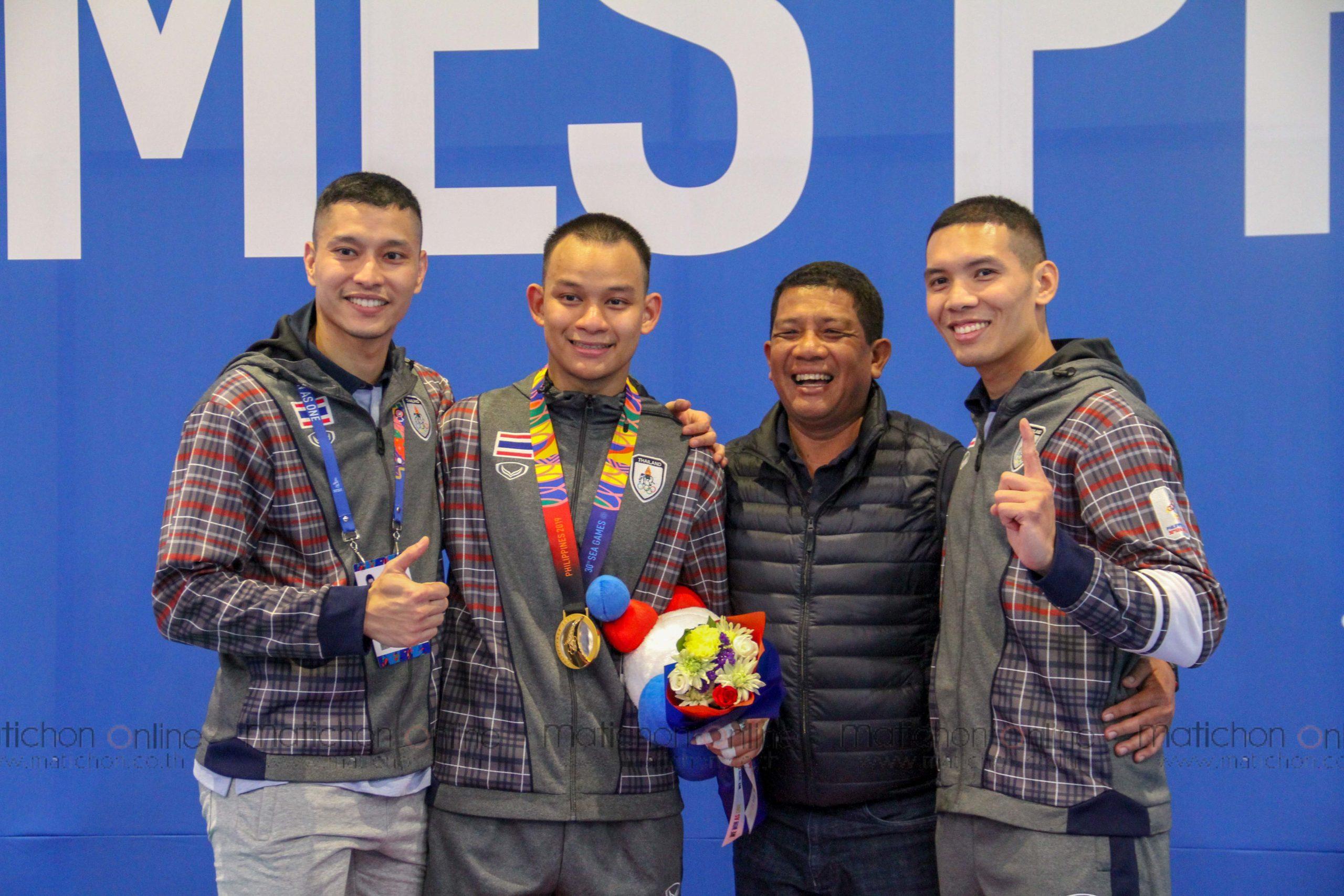 เดือด! ชลณสัล นักฟันดาบทีมชาติไทย โพสต์คลิปโต้คารมปมเกือบชนท้าย