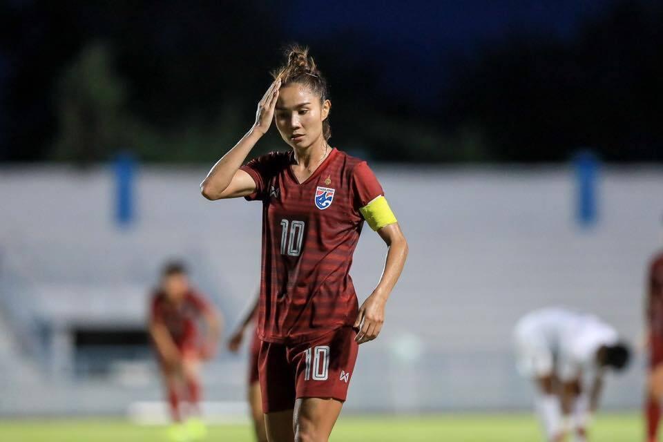 นักฟุตบอลหญิงไทย