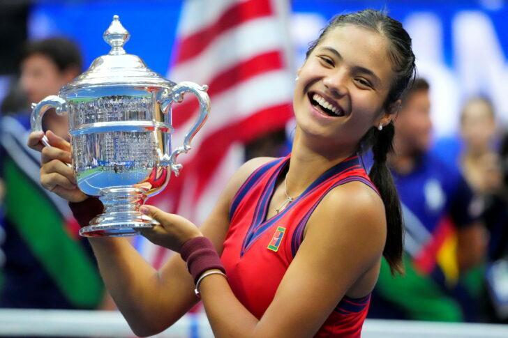 เอ็มม่า ราดูคานูนักเทนนิสสาวพรสวรรค์ ผงาดคว้ายูเอสโอเพ่น